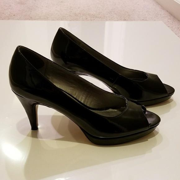 a88fd48952 Bandolino Shoes | Rainaa Peep Toe Pumps Black Size 6 | Poshmark